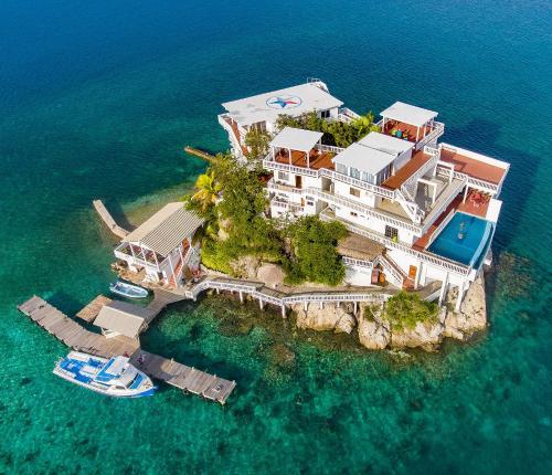 Villa on Dunbar Rock, Guanaja