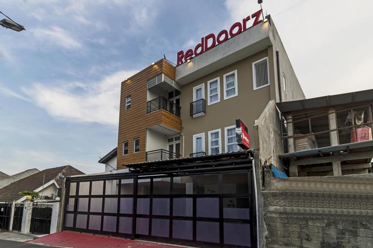 RedDoorz Plus @ Cipete Damai, Jakarta Selatan
