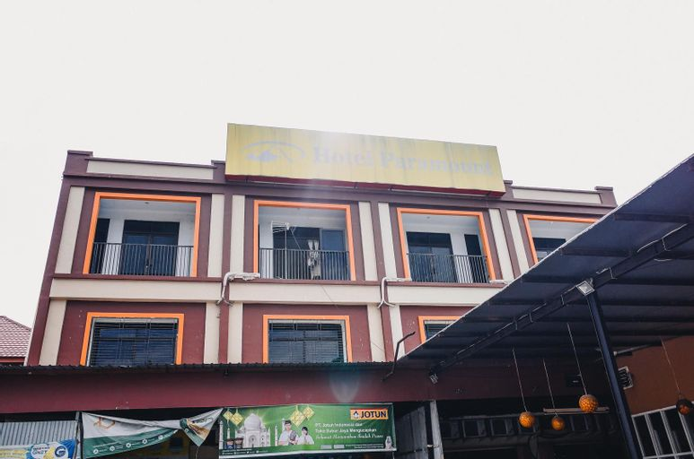 RedDoorz Plus near Sultan Hasanuddin Airport, Makassar
