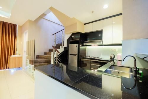 Penthouse 3BR Sunter Park View Apartment By Travelio, Jakarta Utara