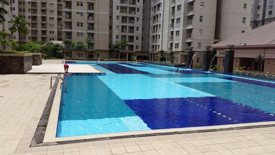Townhouse Apartment 3 BR Medit Central Park Mall Pool Front, West Jakarta