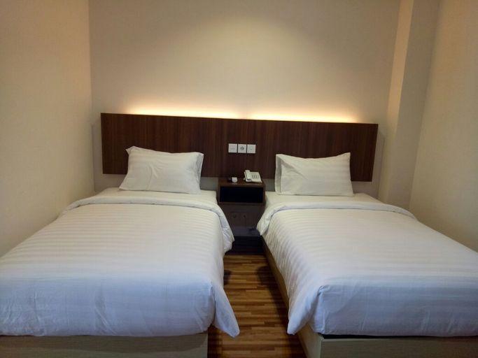 Kawana Hotel, Padang