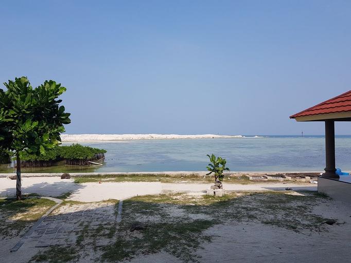 Dolphin Homestay Pulau Pramuka, Thousand Islands
