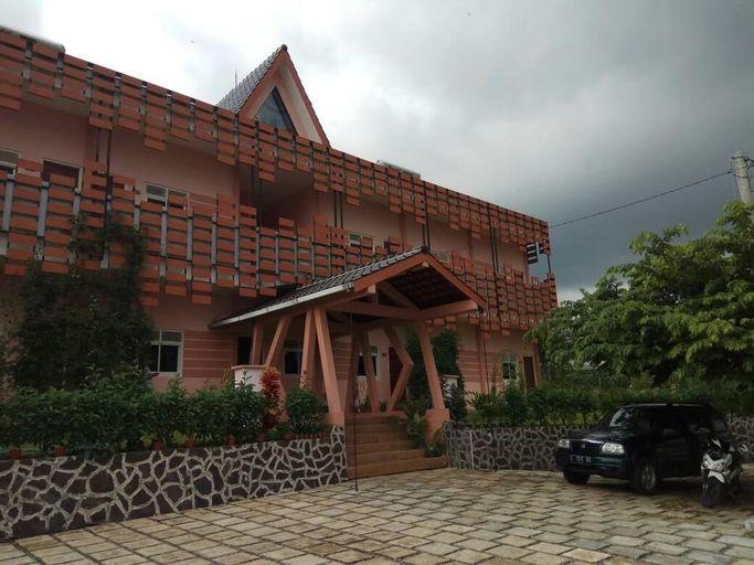 Tulip Guest House Kota Batu, Malang