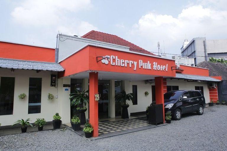Cherry Pink Hotel Medan, Medan