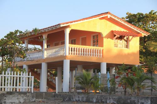 Sunset Waves House, Villa Carlos Fonseca
