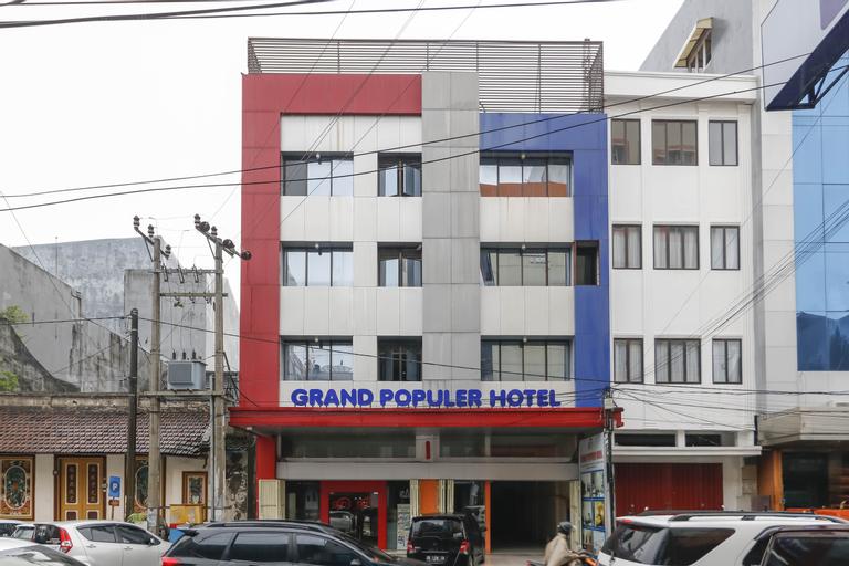 RedDoorz Plus @ Grand Populer Hotel, Makassar