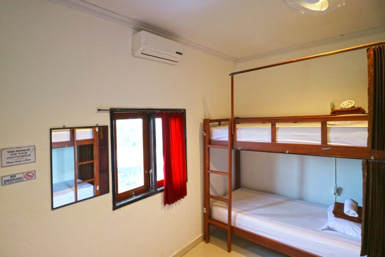 In Calm Hostel, Badung