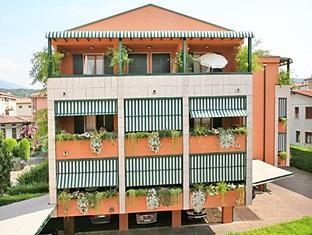 Blue Lake Residence, Verona