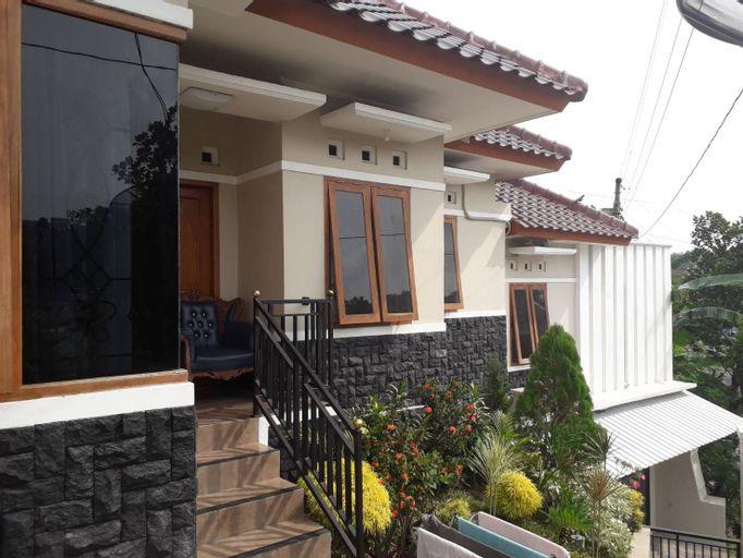 Homestay Cemara 7, Semarang