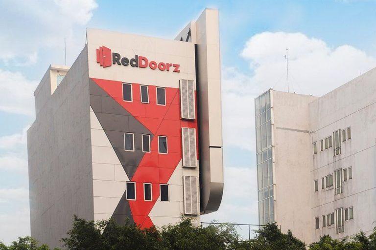 RedDoorz Plus @ Thamrin, Central Jakarta