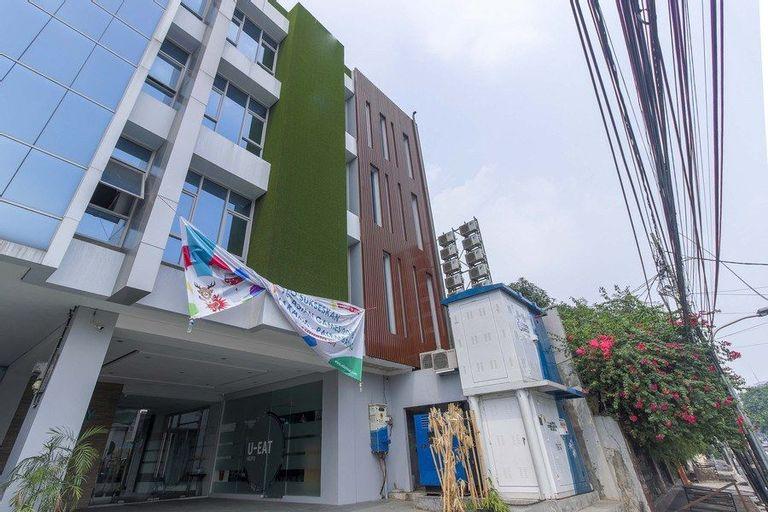 RedDoorz Plus near Tebet, Jakarta Selatan