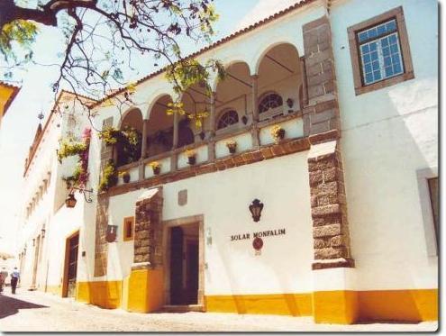 Solar Monfalim, Évora