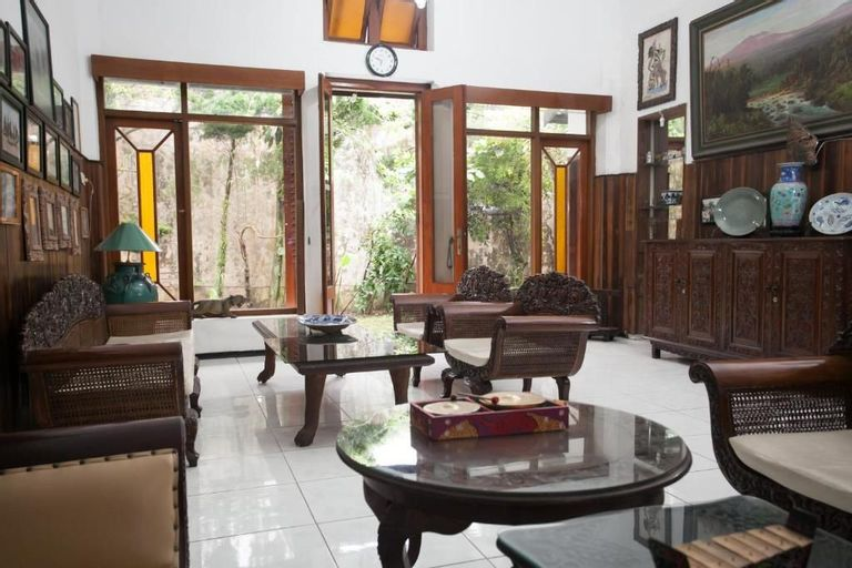 nDalem Kilen Homestay, Malang