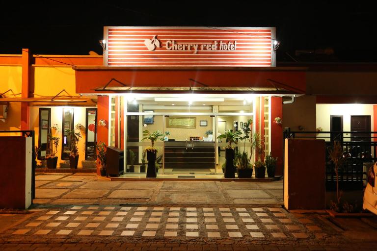 Cherry Red Hotel Medan, Medan