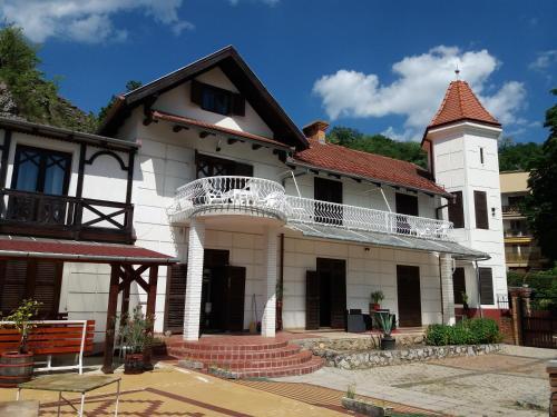 Valcsics Villa Panzio, Pécs
