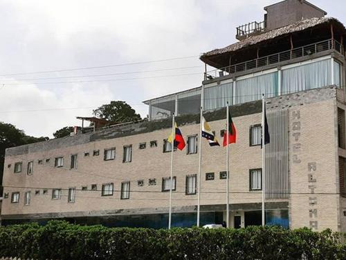 Hotel Altomar, Vargas