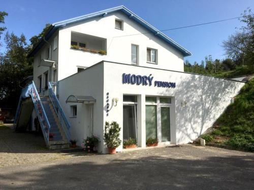Modry Pension, Mladá Boleslav