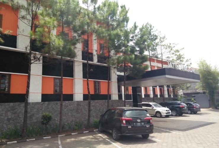 Jatinangor Hotel & Restaurant, Sumedang