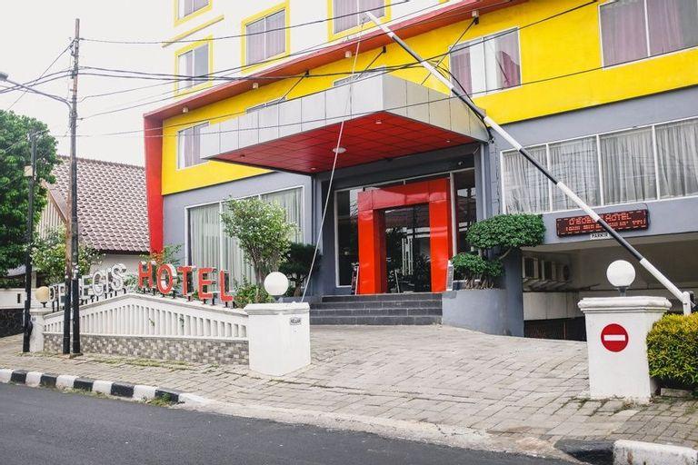 RedDoorz Plus near Senen, Central Jakarta
