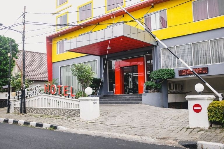 RedDoorz Plus near Senen, Jakarta Pusat