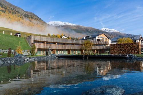 Relais & Chateaux IN LAIN Hotel Cadonau, Inn