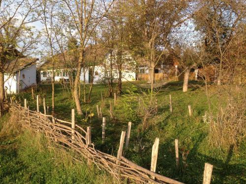 Erdosmecskei svab vendeghazak es Jurtaszallas, Pécsváradi