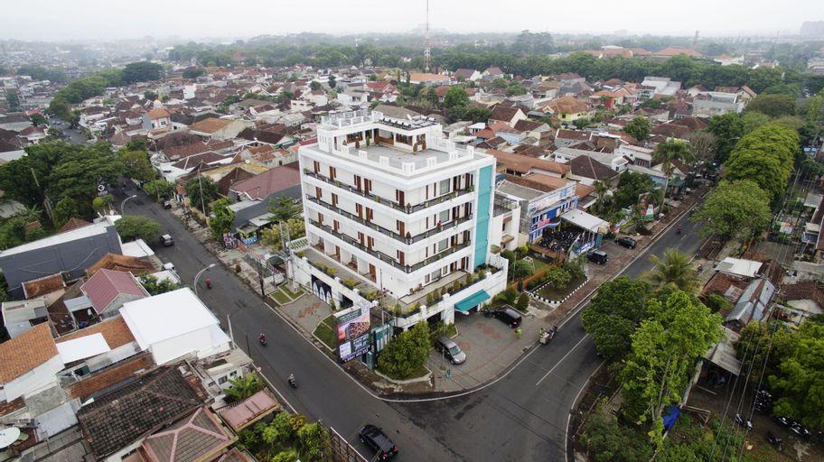 Ratu Homestay Malang, Malang