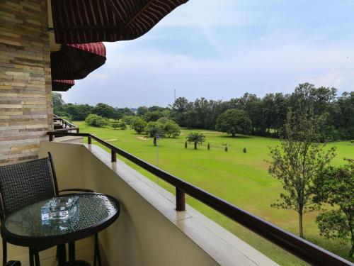 Roca Golf Hotel, Buyenze