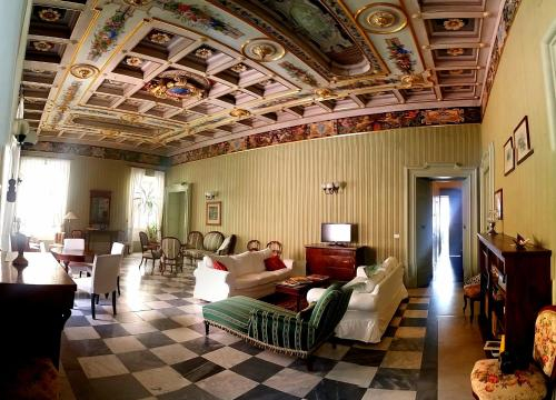 Resort a Palazzo, Fermo