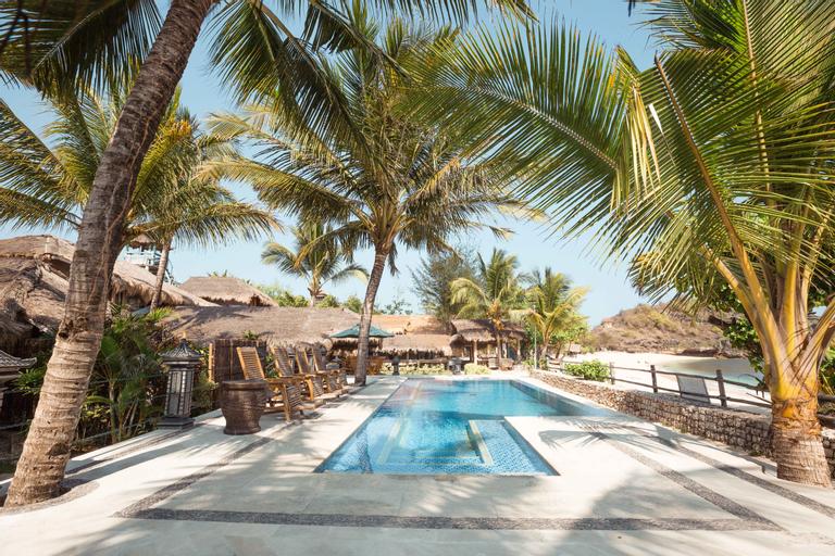 Istana Ombak Eco Resort, Pacitan
