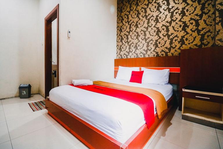 RedDoorz Plus @ Grand City Inn, Makassar