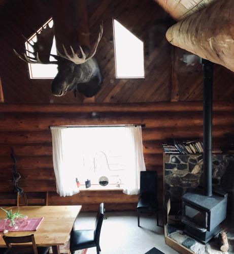 Mount Logan Lodge, Yukon