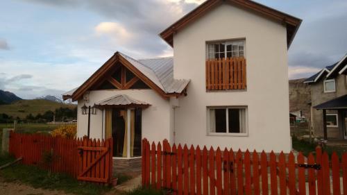 Kaiken - Hostel & Departamentos, Lago Argentino