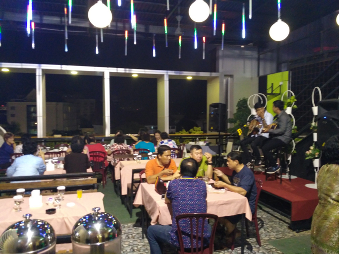 Deivan Hotel, Padang