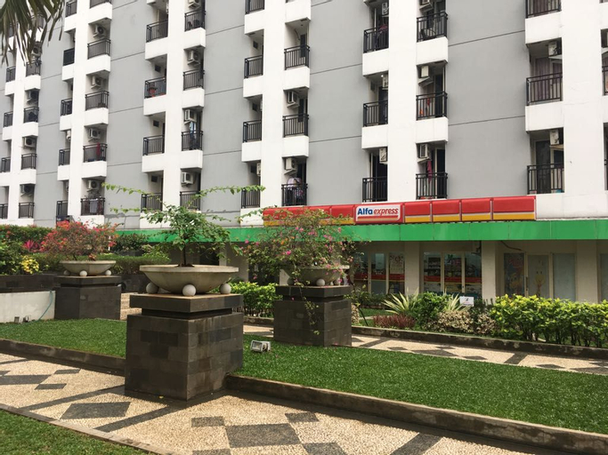 Apartment Green Lake View by Hexa Room, South Tangerang