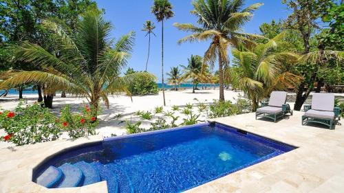 Coconut Grove, Roatán