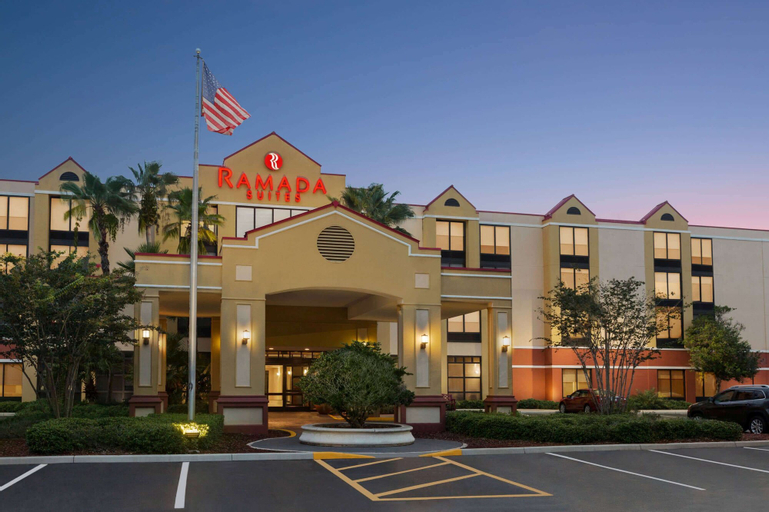 Ramada by Wyndham Suites Orlando Airport, Orange