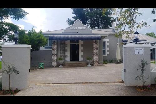 Linkview House, Fezile Dabi