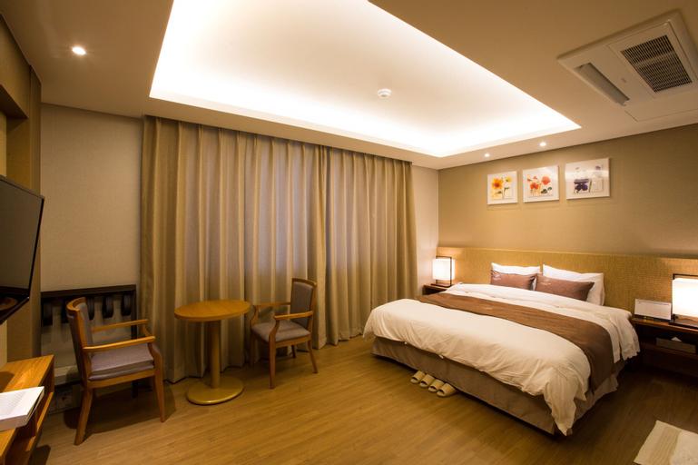 Dong Gyeong Hotel, Tongyeong