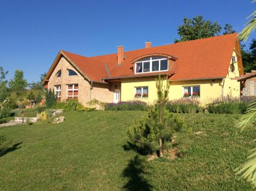 Rooms for Rent near Budapest, Bicske