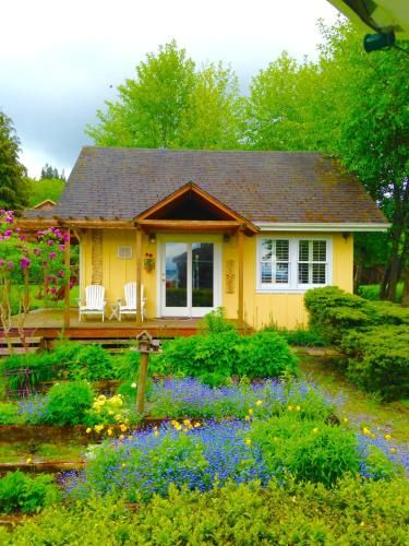 Country Cottage of Langley, Island
