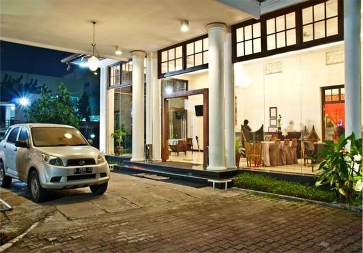 Hotel Padang, Padang