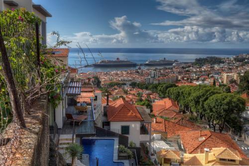 Number 15 Ocean & City View Villas, Funchal