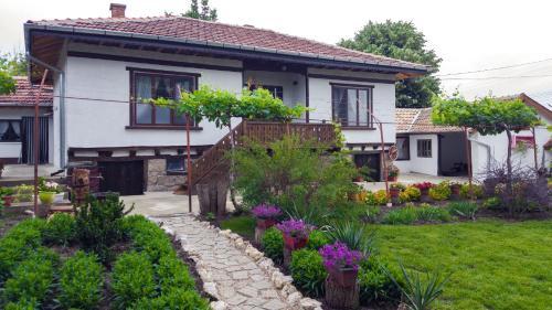 Babinata Kashta-Srebarna, Silistra