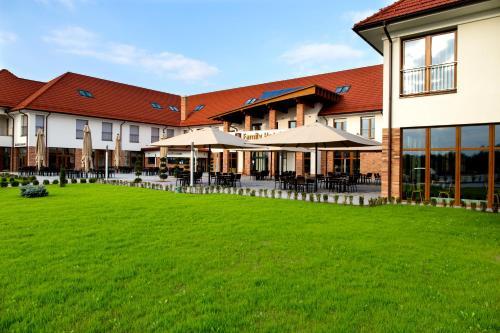 Family-Hotel, Kistelek