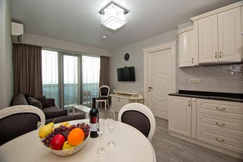 Holiday Batumi Apartment.2914, Batumi