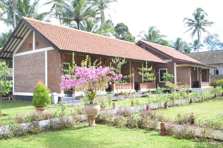 Rumah Catra Guest House & Resto, Magelang