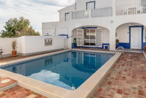 Feels Like Home Albufeira Family House with Pool, Albufeira
