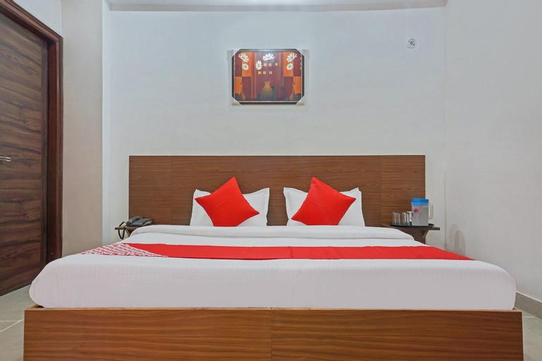 OYO 37169 Hotel Quadis, Gautam Buddha Nagar
